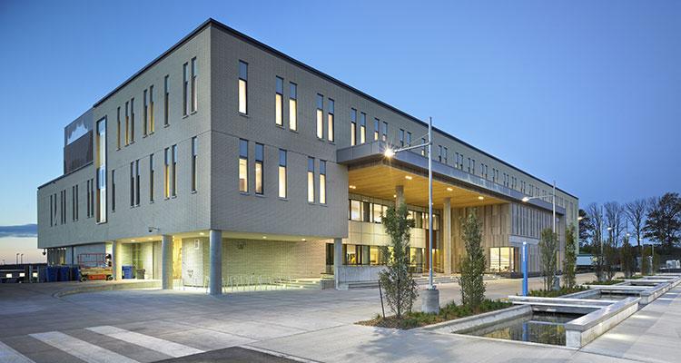 Lakehead's orilla campus building