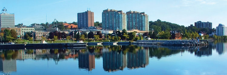 Cityscape photo of downtown Barrie and bay